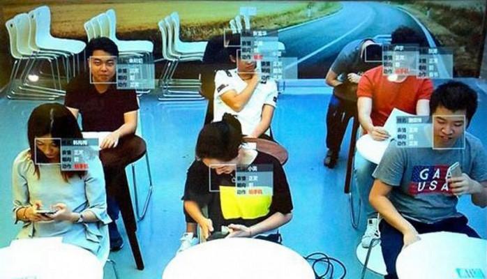 Çində tətbiq olunan yeni texnologiya şagirdlərin hərəkətlərini izləyir
