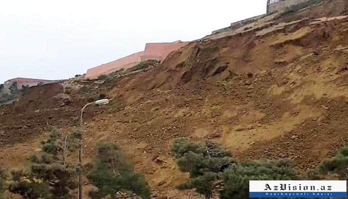 Qərargah: Sürüşmə zonasında çatların ölçüsü artıb