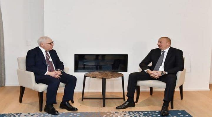 """İlham Əliyevin Davosda """"Carlyle Group"""" şirkətinin həmtəsisçisi ilə görüşdü"""