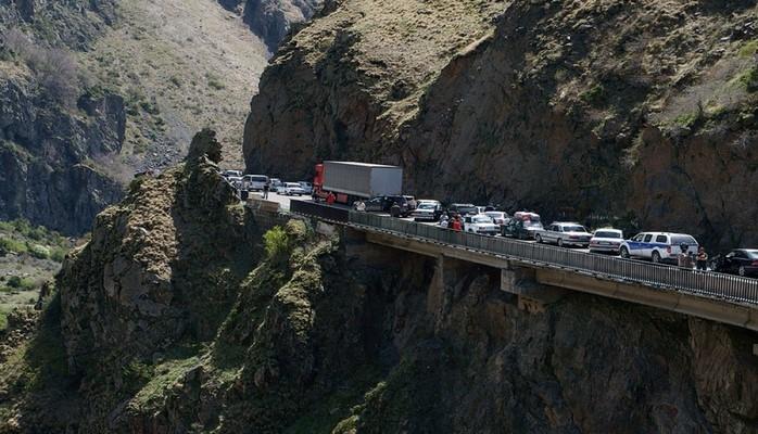 Gürcüstandan Rusiyaya gedən magistral yol bağlanır