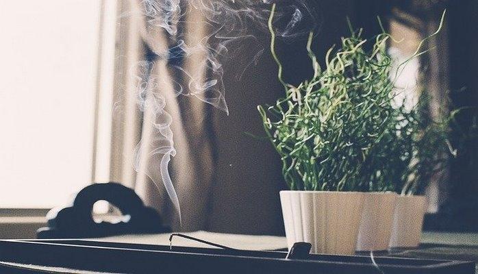 Место силы: как очистить жилье от негативной энергии