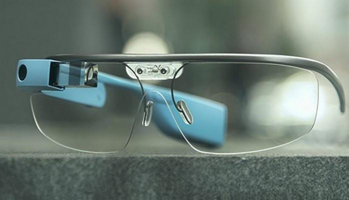 """Alimlər autizm xəstəliyinin müalicəsi üçün """"Google Glass"""" eynəyindən istifadəyə başlayıblar"""