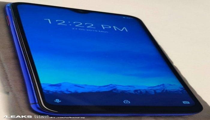 Смартфон LG W10 появился на «живых» фотографиях в Сети