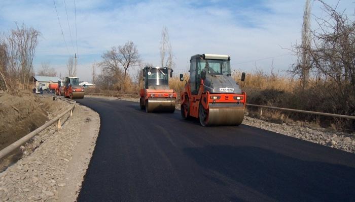В Гейчае реконструируется дорога местного значения