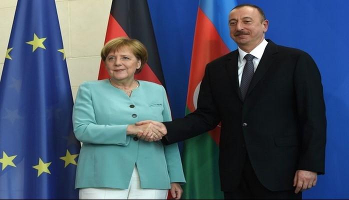 Angela Merkel Bakıya niyə gəlir?
