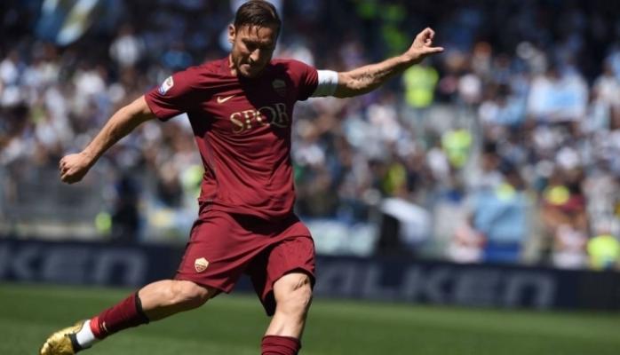 Totti Messi, Ronaldu və özündən ideal futbolçu obrazı yaratdı