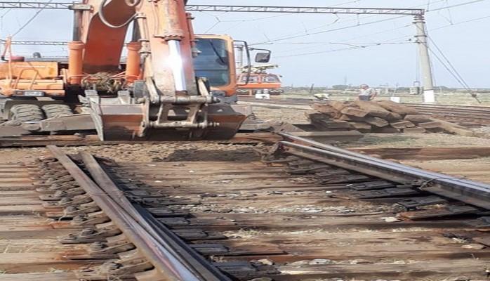 На станциях Сангачал и Гёран началась установка 17 новых стрелочных переводов