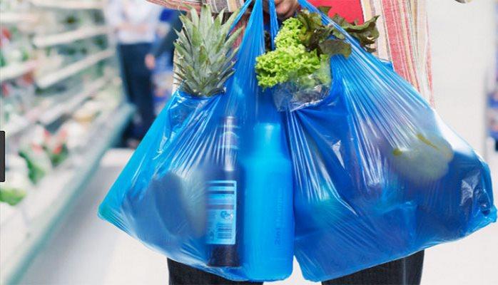 Marketlərdə sellofan torbalar pulla satılır? - Nazirlik məsələyə qarışdı