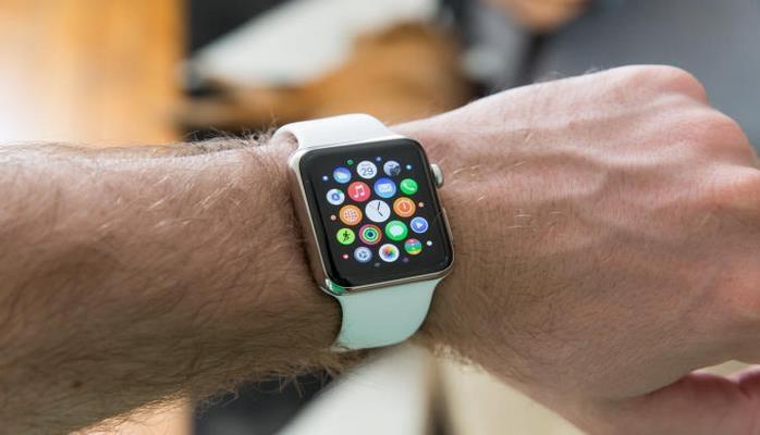 Названы самые популярные функции Apple Watch