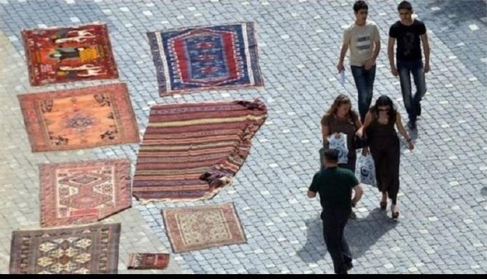 Azərbaycana turistlər haradan gəlir, azərbaycanlılar turist kimi hara gedir?