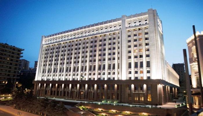 В Азербайджане за игнорирование проблем граждан уволены 72 должностных лица