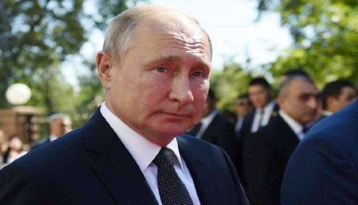 Putinin vizit kartını 2 milyona satışa çıxarıblar
