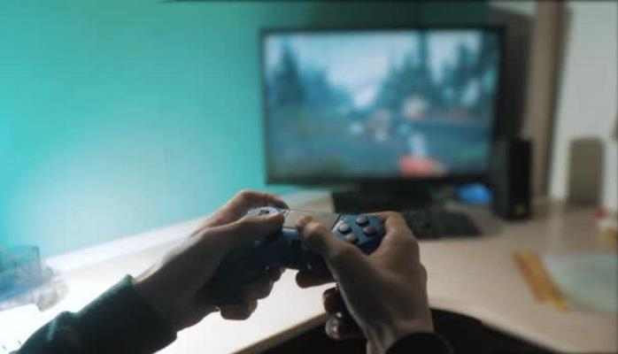 Çində aşaqlara gündə 1,5 saatdan çox videooyun oynamaq qadağan edildi