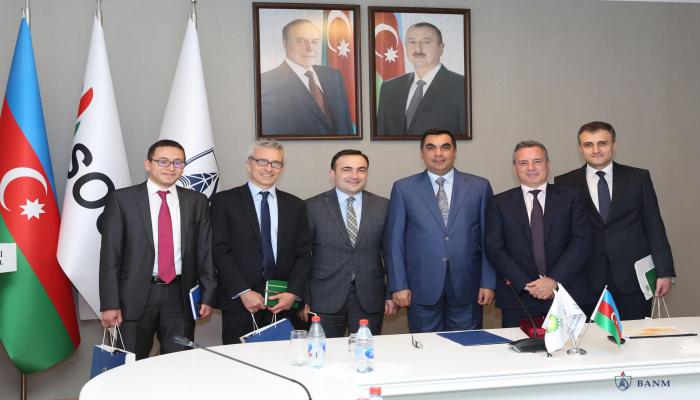 Исполнительный директор Lightsource BP Ник Бойл посетил Бакинскую Высшую Школу Нефти