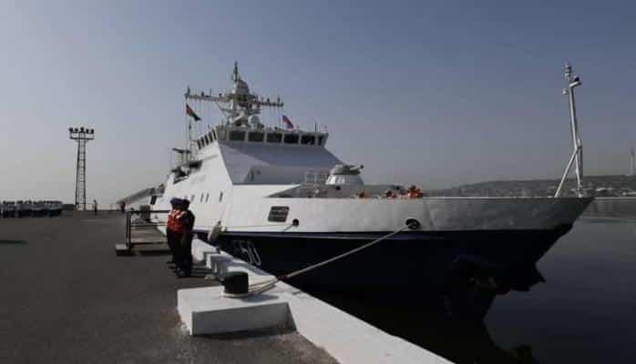 Britaniya donanmanı gücləndirir – İrana görə