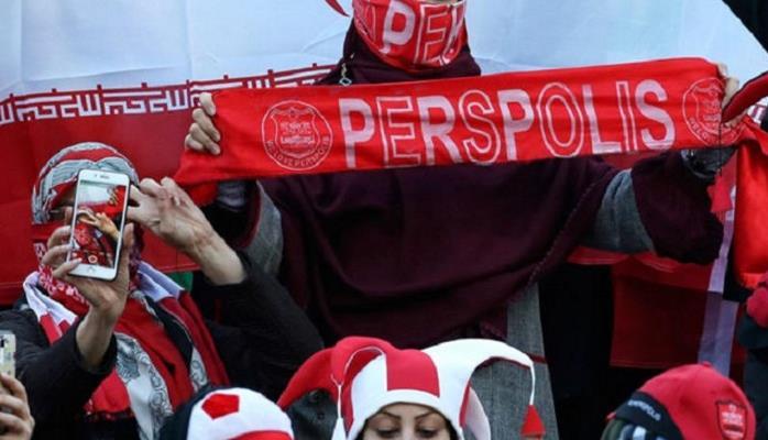 İran tarixində bir ilk: 500 qadın stadionda...