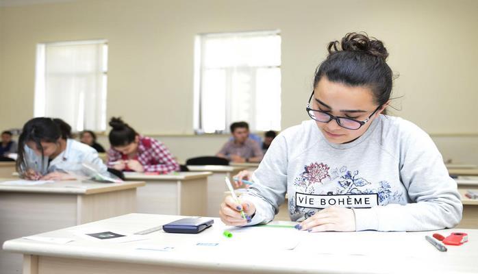 Азербайджанские девятиклассники сдадут выпускной экзамен 17 марта