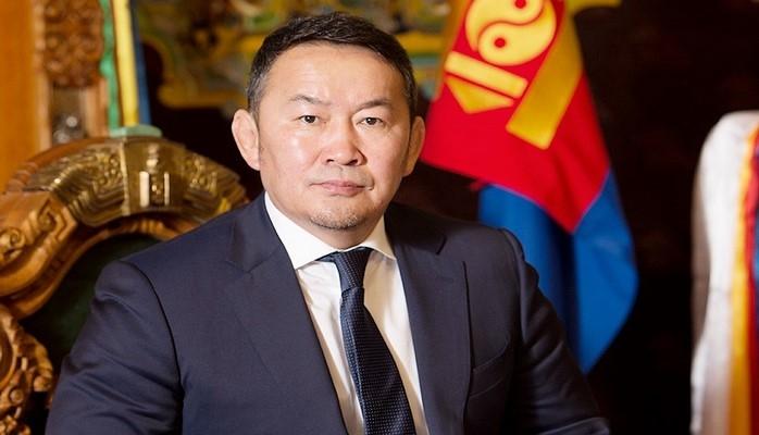 Monqolustan Prezidenti aclıq aksiyasına hazırlaşır