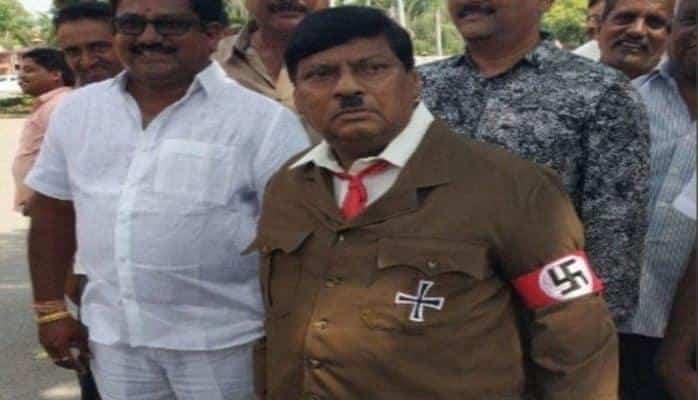 "Hindistanlı deputat Hitlerə ""çevrildi"""