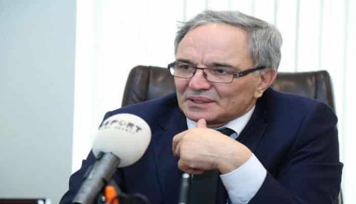 Əflatun Amaşov: 'Biz Azərbaycan mətbuatının patriarxını itirmişik'