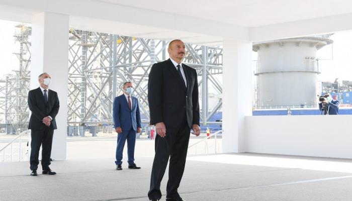 Prezident İlham Əliyev neftçiləri təbrik edib