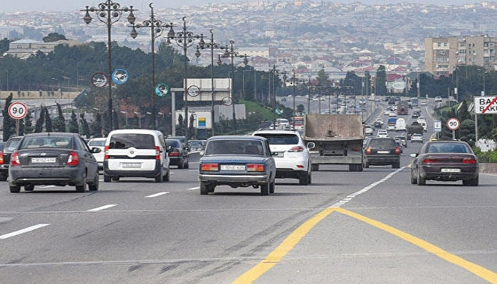 В связи с карантином в Азербайджане за прошедшие сутки ограничено движение 1199 автомобилей