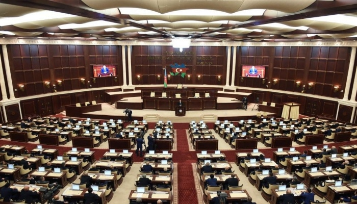 Milli Məclisin sabahkı iclasında yaşı 65-dən yuxarı olan deputatlar iştirak etməyəcək