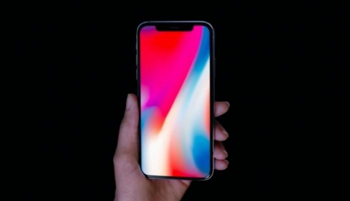 iPhone X – Apple şirkətinin ilk OLED displeyli smartfonu