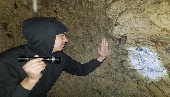 Rusiyalı səyyah işğal altındakı Azıx mağarasında