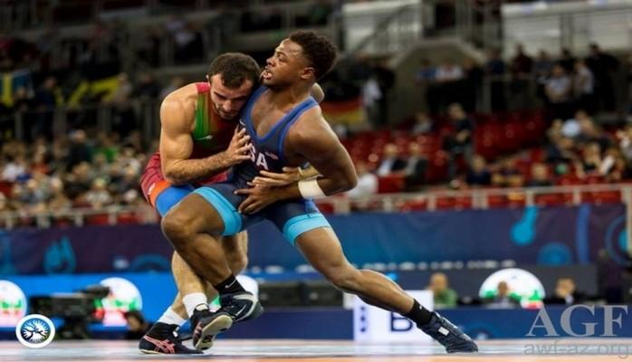 Azərbaycan güləşçiləri dünya çempionatında daha üç medal qazanıblar