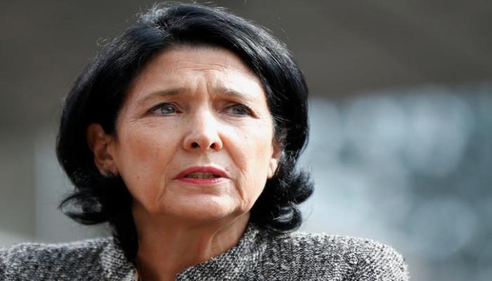 Gürcüstan prezidenti Tbilisidə aksiyanın zor gücünə dağıdılmasına haqq qazandırıb
