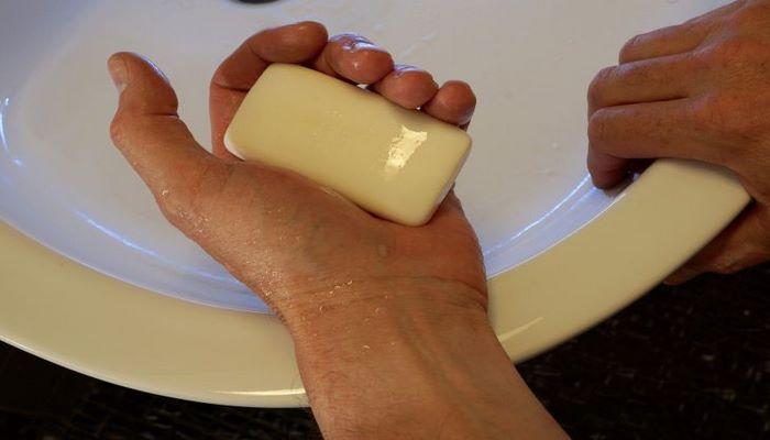 Немедленно помойте руки, если вы дотронетесь до этих 10 вещей