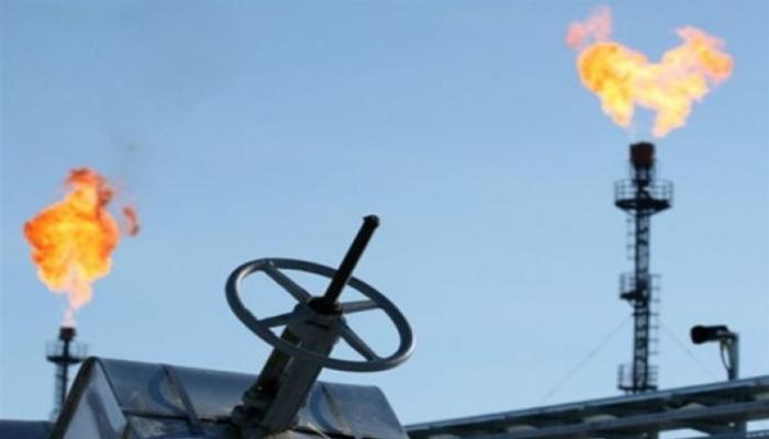 Газ на мировых рынках вновь подешевел