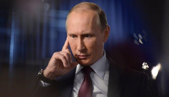 """""""Putinin arvadıyam"""" deyib Kremlə girmək istədi"""