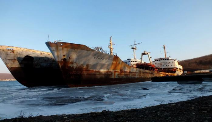 Турция будет продавать заброшенные судна