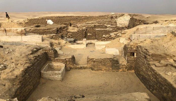 """Найдена 4500-летняя гробница """"хранителя тайн фараона"""""""