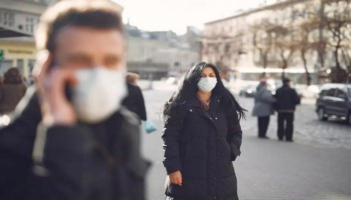 Российский вирусолог объяснила рост пациентов с коронавирусом моложе 40 лет