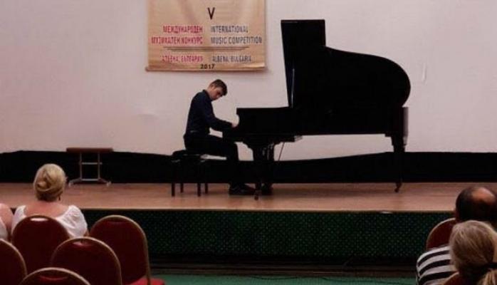 Azərbaycanlı pianoçu Bolqarıstanda uğura imza atdı