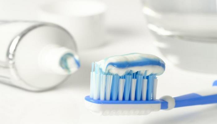 Стоматолог рассказала о самых грубых ошибках при чистке зубов