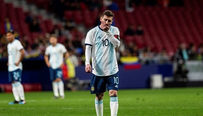 Аргентина с вернувшимся Месси проиграла товарищеский матч