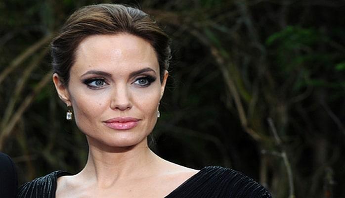 Анджелина Джоли написала откровенное эссе