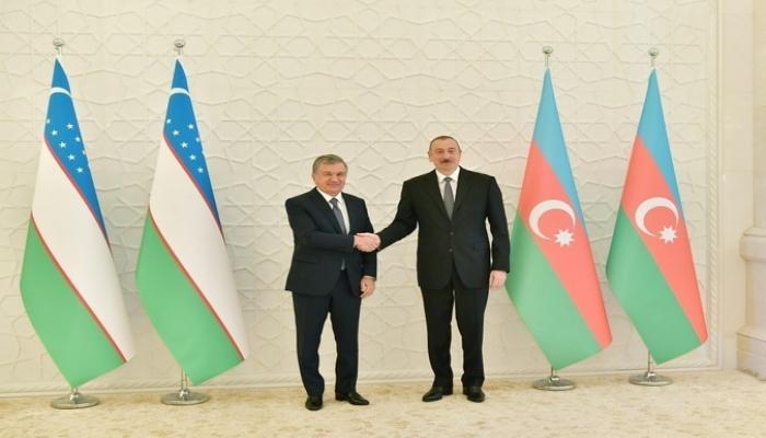 Президент Узбекистана поздравил Ильхама Алиева