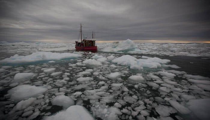 Qrenlandiya əriyən buzların suyunu satışa çıxarır