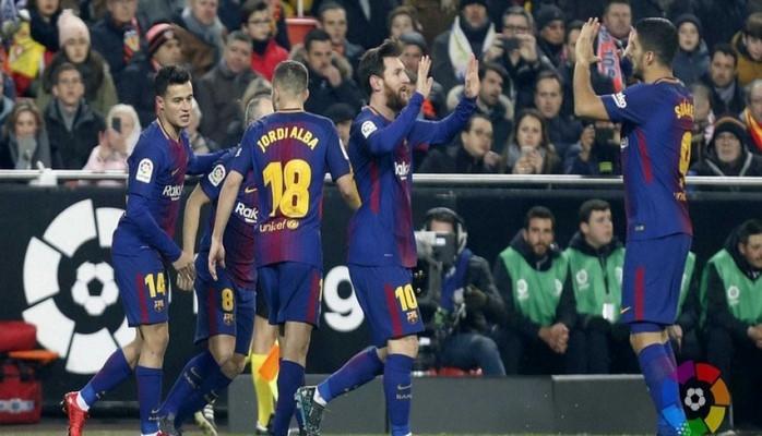 «Барселона» сыграла вничью с «Валенсией» и продлила серию без побед
