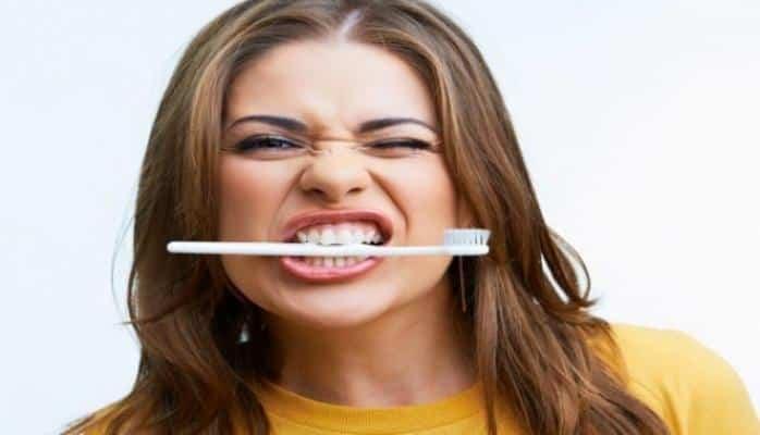 Diş sağlamlığında doğru bildiyiniz səhvlər