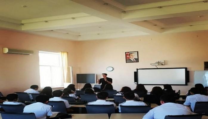 В Академии Государственного таможенного комитета проведен тренинг на тему «Будь в ряду способных людей»