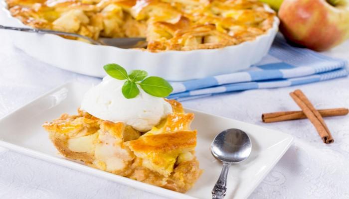 Дрожжевой пирог с яблоками и апельсинами