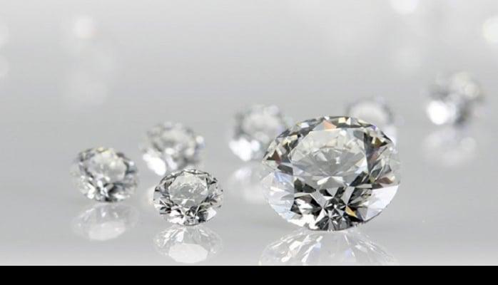 Diamondit - braziliyalı alimlər qrafen lentindən ikiölçülü almaz əldə etdilər