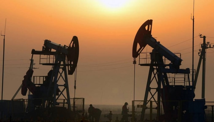 Власти позволят фирмам США временно хранить нефть в стратегическом резерве