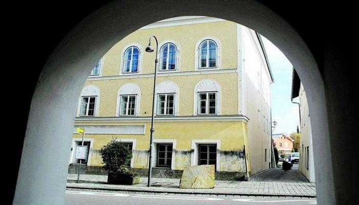 Hitlerin anadan olduğu ev polis bölməsi kimi fəaliyyət göstərəcək